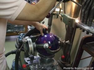 ドリルビット先に細工をしているので、ドリルがスムーズにでき、出るクズも細かくて掃除機で吸うのも楽チン。